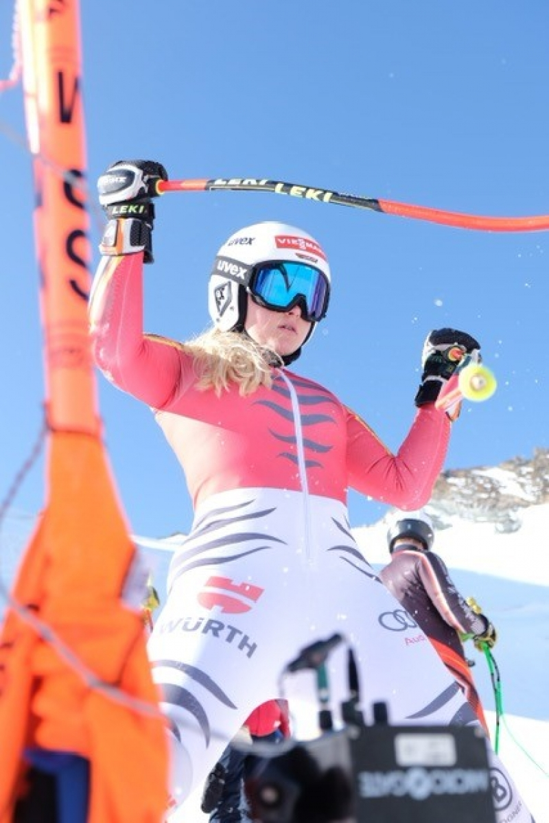 Anna beim Training in Saas Fee